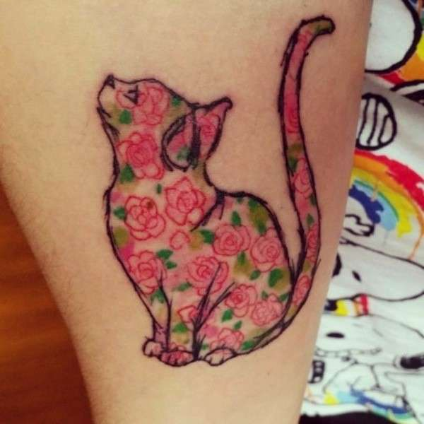 20 tatuaggi minimalisti ed eleganti per veri amanti dei gatti!
