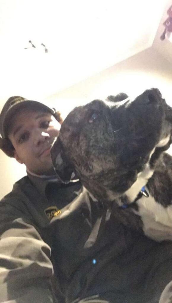 Selfie di un cane con il suo proprietario