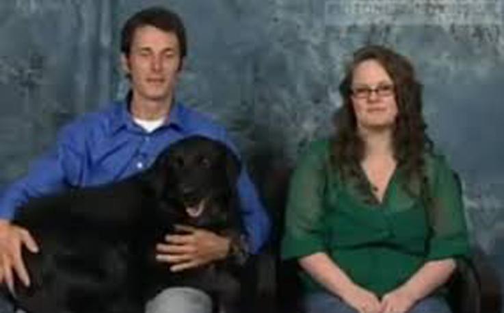Cane insieme alla sua famiglia