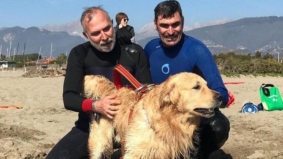 Pablo cane soccorso in spiaggia