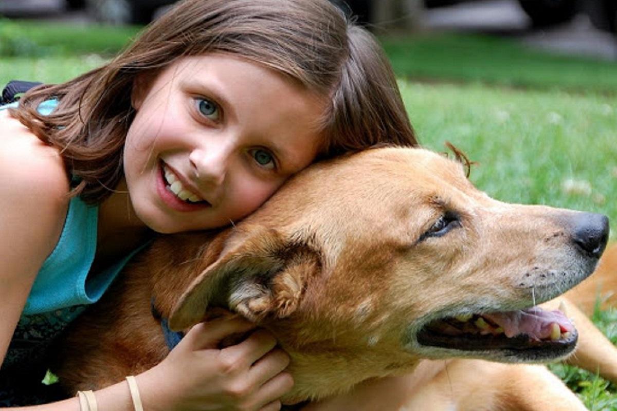 cane e bambina