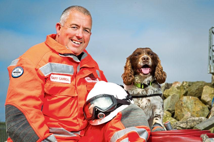 Un cane da soccorso