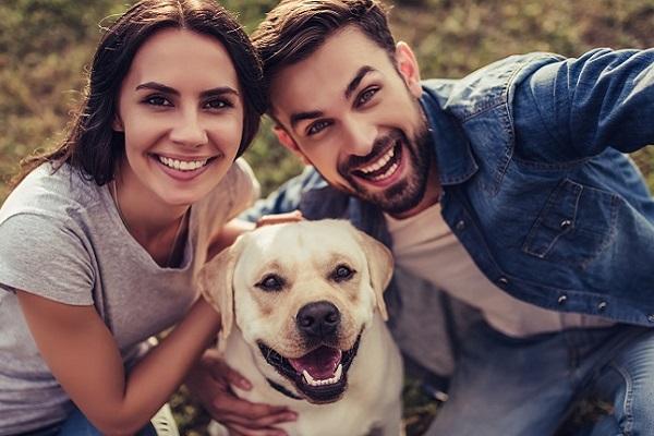 coppia con cane