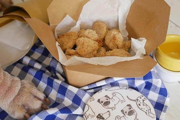 Cani e nuggets: possono mangiarle? O rischiano di stare male?