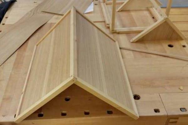 tetto della cuccia del cane