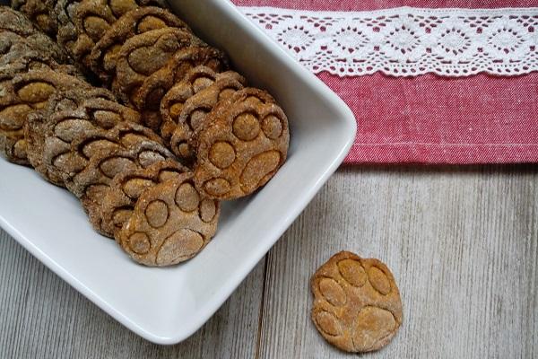 biscotti per cane