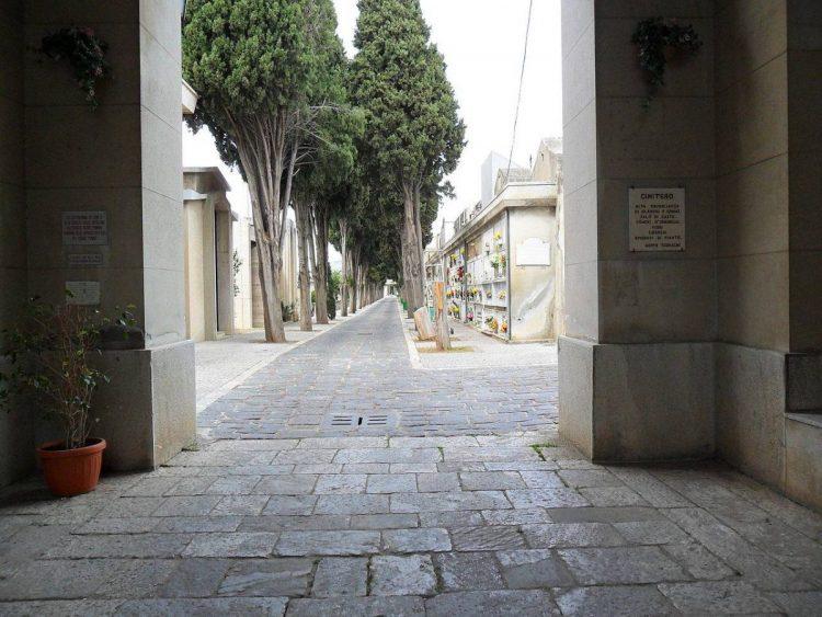 cimitero benevento foto