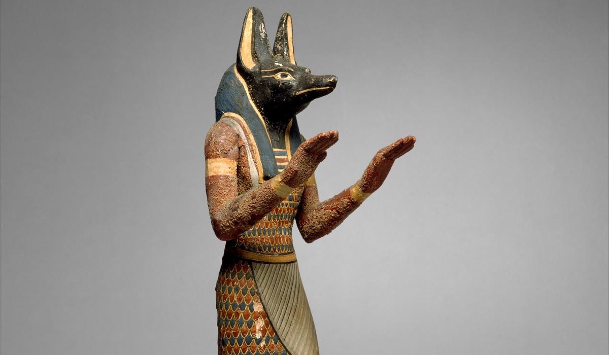 statua del dio anubi