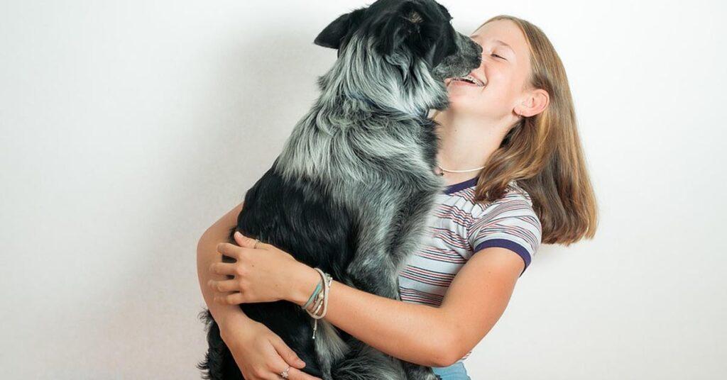 Ecco perché devi lasciar perdere chi dice il contrario e amare il tuo cane come un figlio