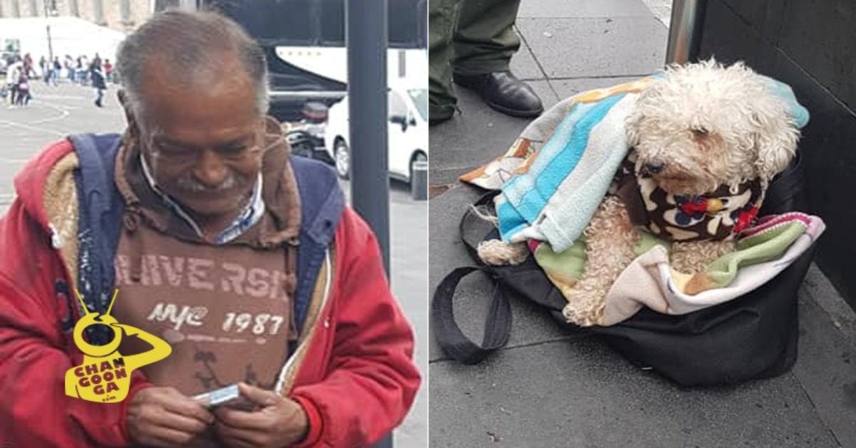 anziano che vende caramelle per il suo cane e il suo cane bianco