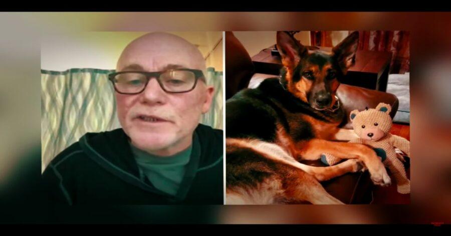 cane Sadie e suo padrone, due foto