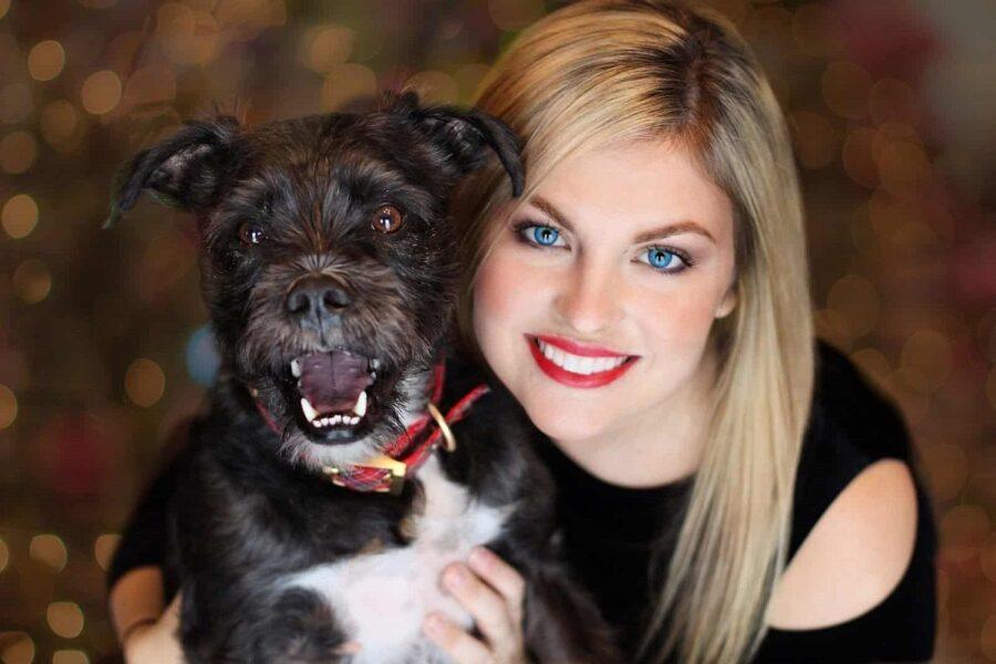 cane nero e ragazza