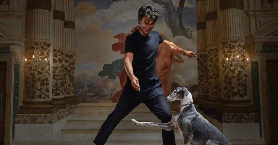 kledi balla con i levrieri spagnoli