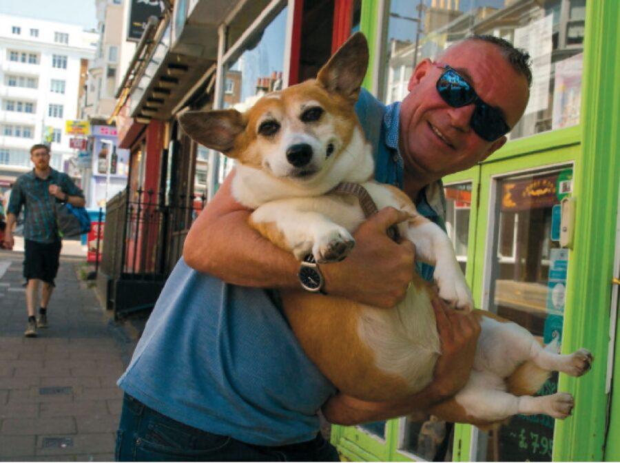 cane in braccio proprietario