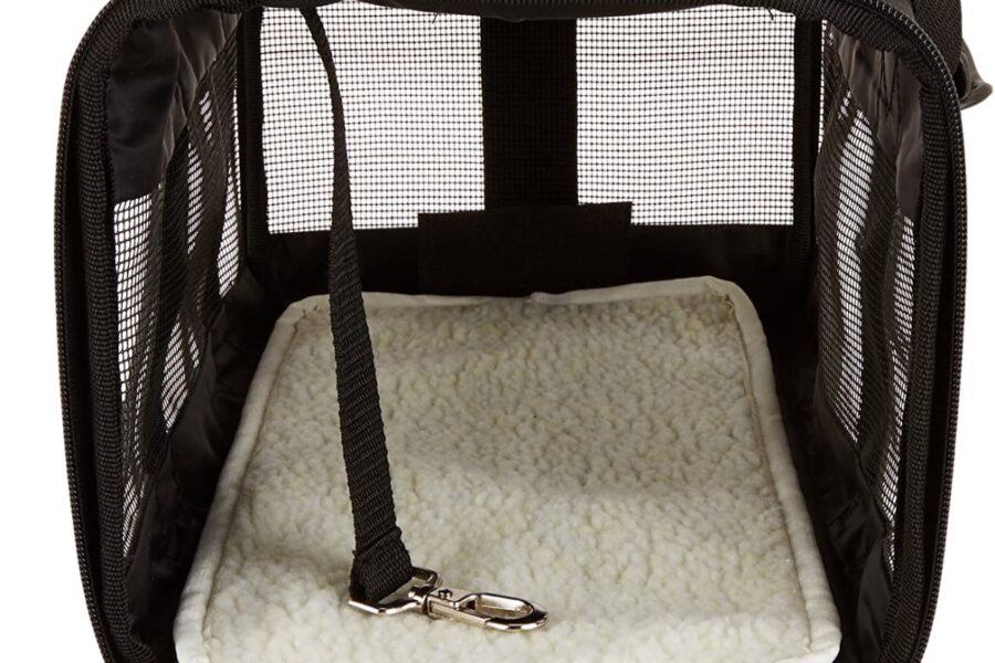 trasportino morbido con coperta per cani