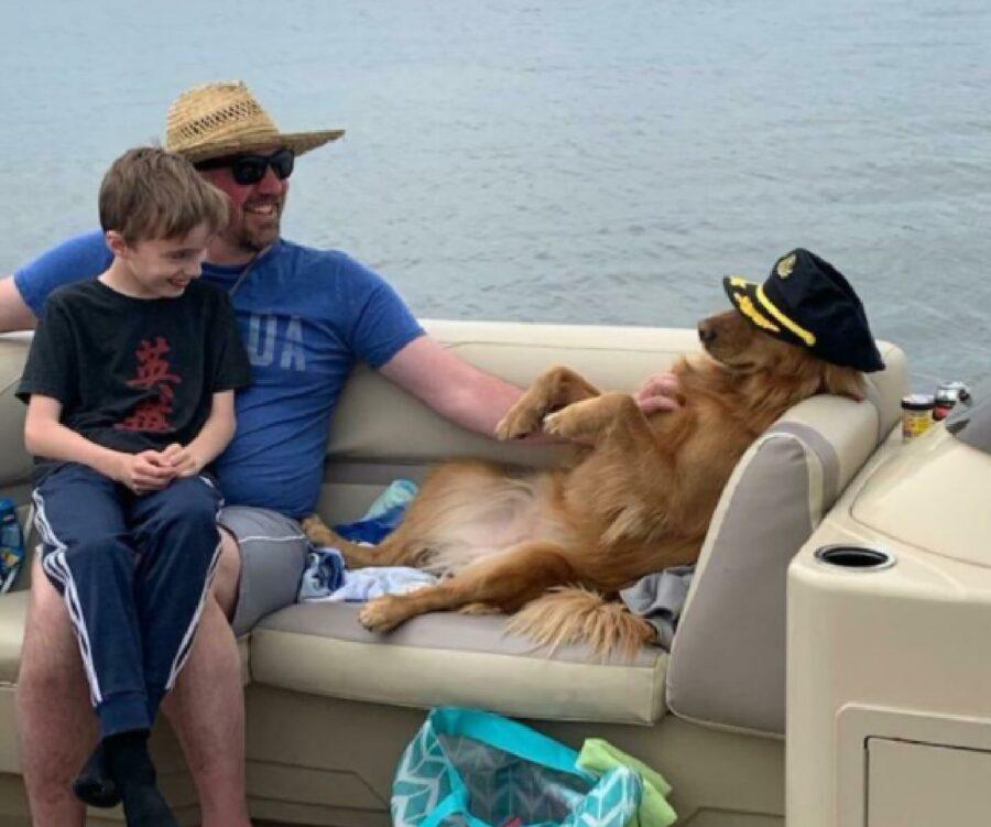 cane cappello da capitano
