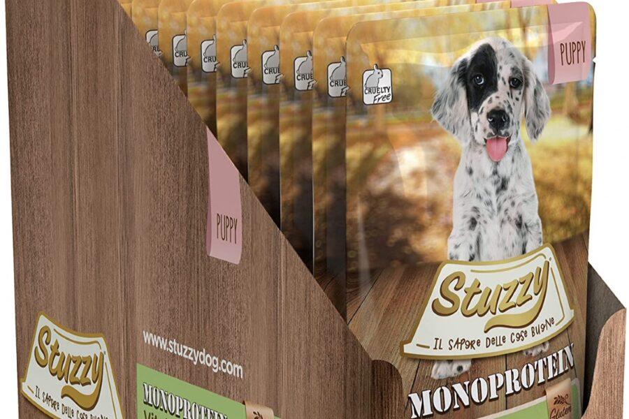 cibo in busta per cuccioli di cane